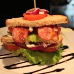 BLT Sandwich med kylling og bacon