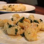 Gnocchi med salviesmør og parmesan